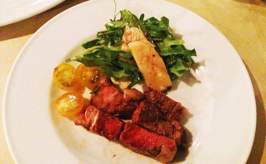 牛サーロイン肉のビステッカ