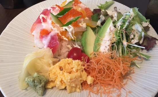 海鮮サラダ丼アップ