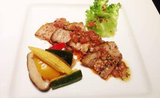 前菜 氷室豚ばら肉のサラダ仕立て